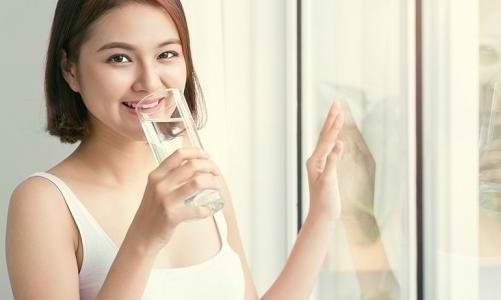 Ingin Langsing dengan Diet Air Putih