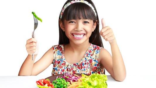 Tips agar Anak Gemar Makan Sayur dan Buah